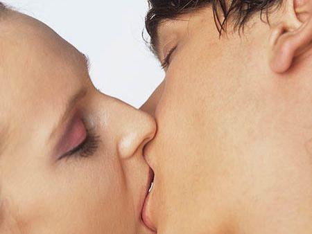 sex na wc líbání s jazykem