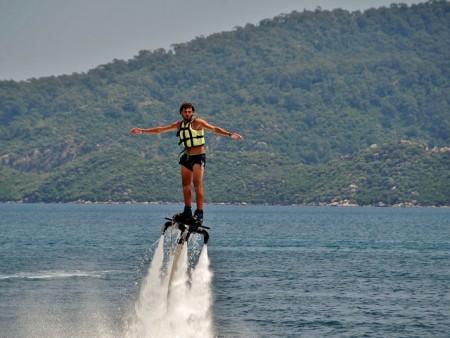 Flyboard - let nad hladinou